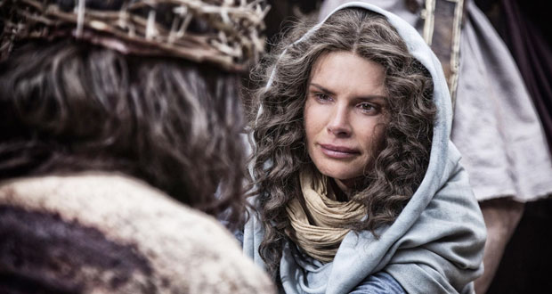 Photo of Roma Downey: Why we cut Satan from 'Son of God' movie
