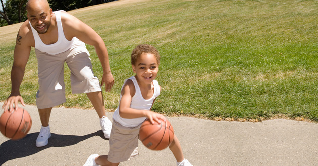 Photo of Should you 'let' your child win in 1-on-1 games?