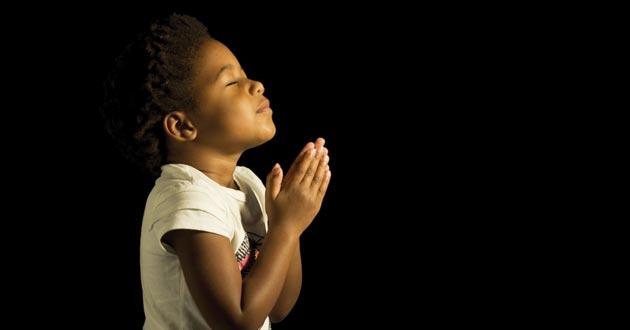 Photo of 3 simple ways to teach kids to pray