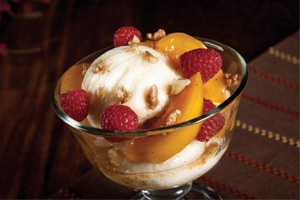 Honey-Peach Frozen Yogurt Sundaes